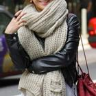 Thick yarn scarf